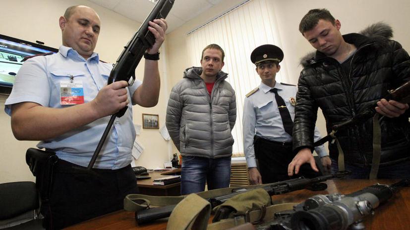 Полицейским могут разрешить применять оружие даже в толпе