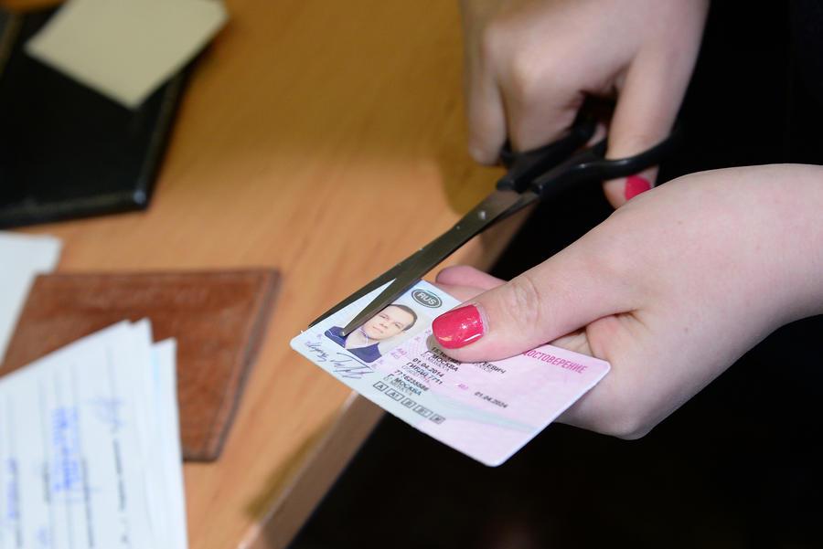 У автомобилистов-должников будут отбирать водительские права