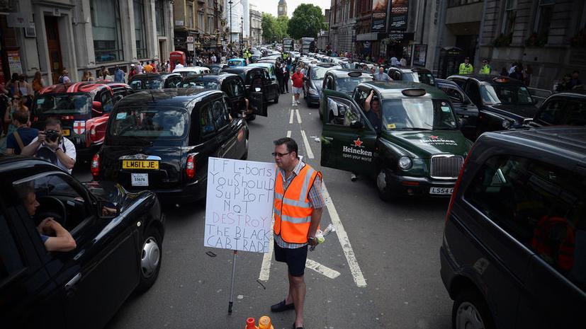 Кэбы против смартфонов: лондонские таксисты протестуют против мобильного приложения