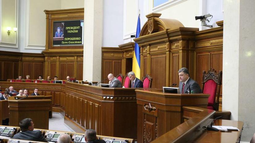 Эксперт: В цивилизованной стране выборы в условиях военного положения невозможны