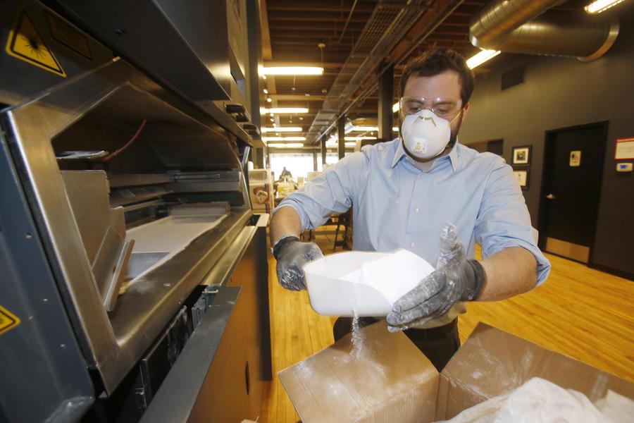Американские промышленники готовятся печатать оружие прямо на поле боя