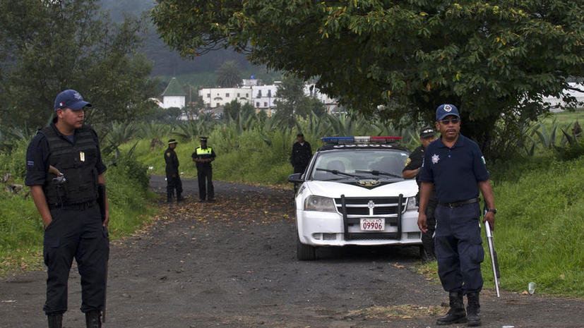 Полиция нашла тела 13 мексиканцев, похищенных из бара три месяца назад
