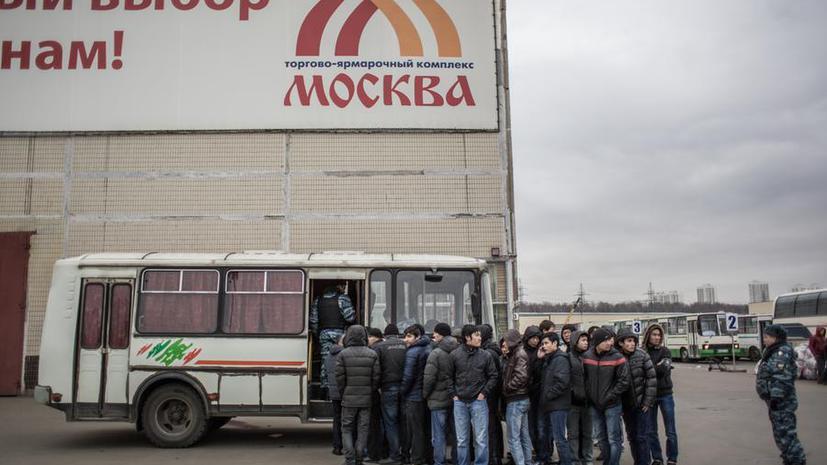 Трудовых мигрантов могут обязать указывать работу как цель визита в Россию