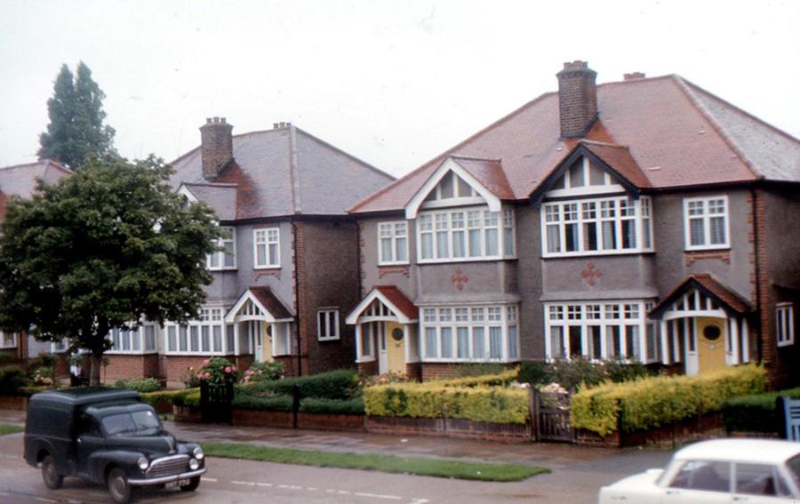 Британские пенсионеры продают своё жильё, чтобы расплатиться с долгами