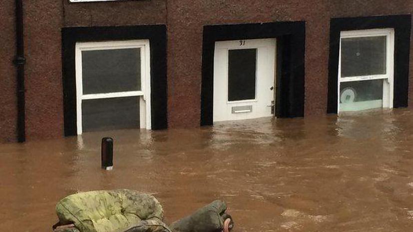 Жителей населённых пунктов на северо-западе Великобритании эвакуировали из-за наводнения