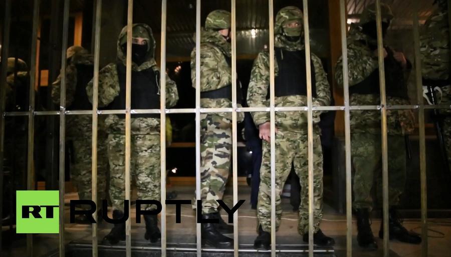 Коломойский в котле: МВД ставит ультиматум, СБУ допрашивает замов, в Днепропетровске — Нацгвардия