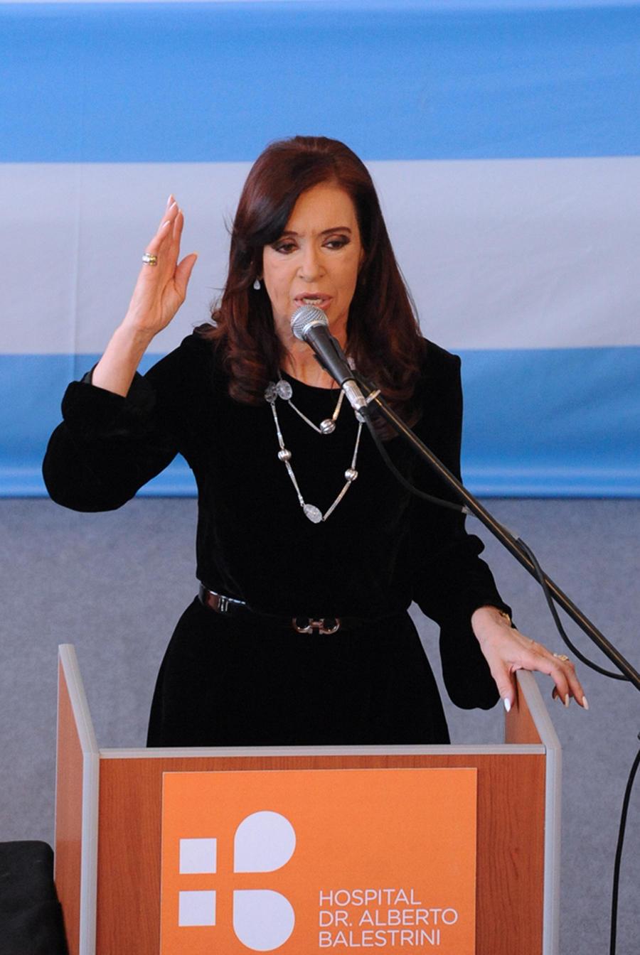 Президент Аргентины скоро приступит к работе после операции на головном мозге