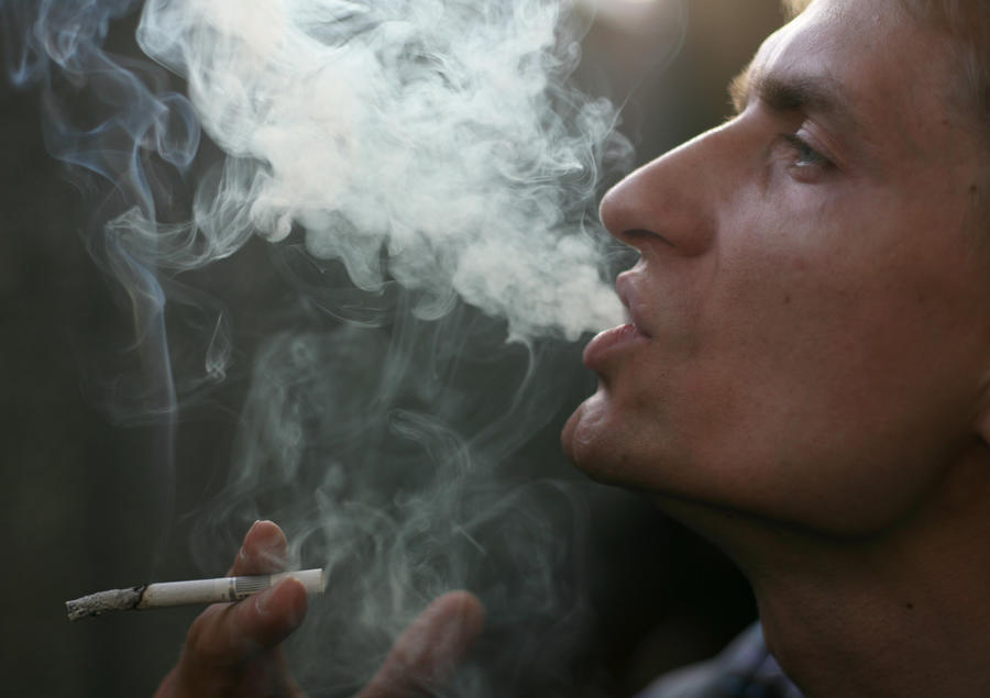 Турецкие предприятия будут закрывать из-за курящих сотрудников