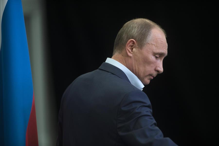 Владимир Путин подписал законы о защите чувств верующих и запрете гей-пропаганды