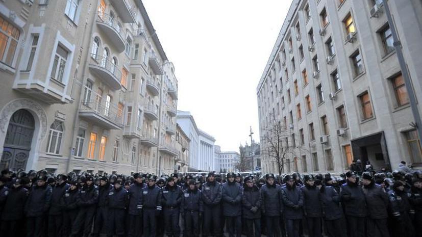 The Washington Post: США заняли выжидательную позицию относительно беспорядков на Украине