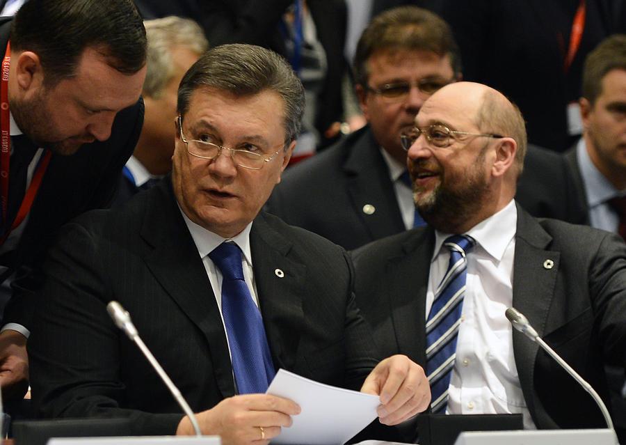 Виктор Янукович ждёт от ЕС решительных шагов навстречу Украине
