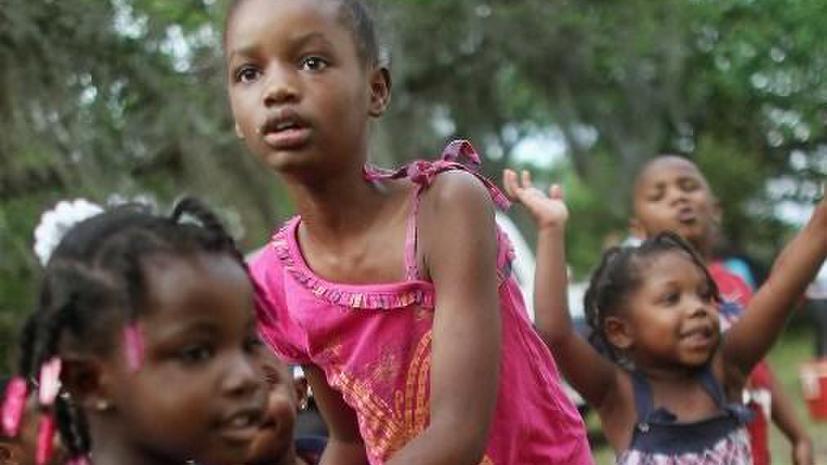 «Историческая реконструкция»: педагоги заставляли темнокожих американских школьников играть роль рабов