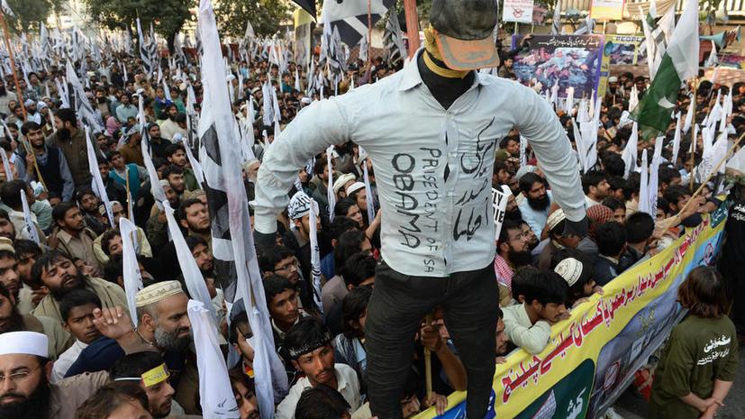 Тысячи жителей Пакистана вышли на демонстрацию против использования беспилотников