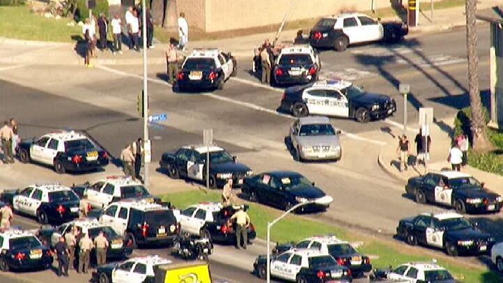 В Калифорнии мужчина взял в заложники двух женщин и ранил полицейского