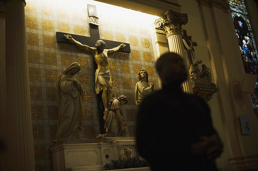 Архиепископ Лос-Анджелеса скрывал священников-педофилов
