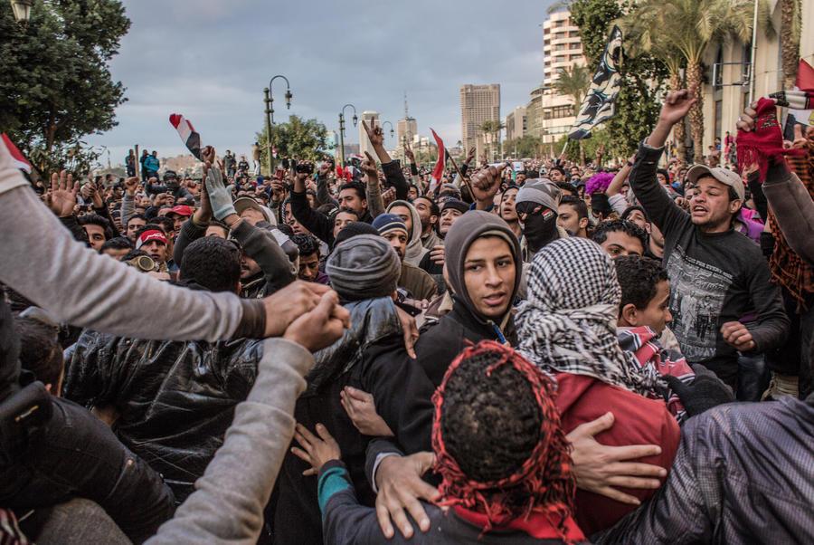 Тысячи египтян стекаются к площади Тахрир в годовщину правления Мухаммеда Мурси
