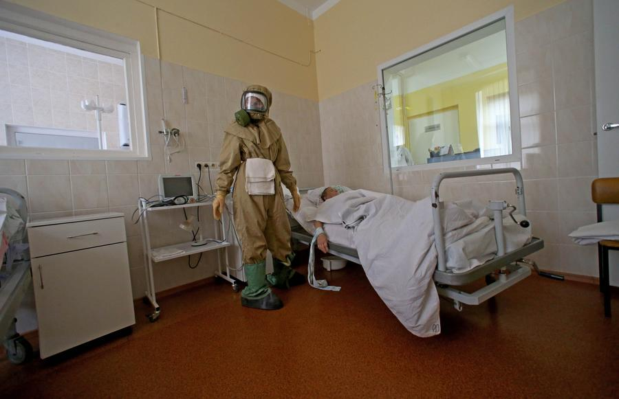Во Владивостоке госпитализирован мужчина с симптомами лихорадки Эбола