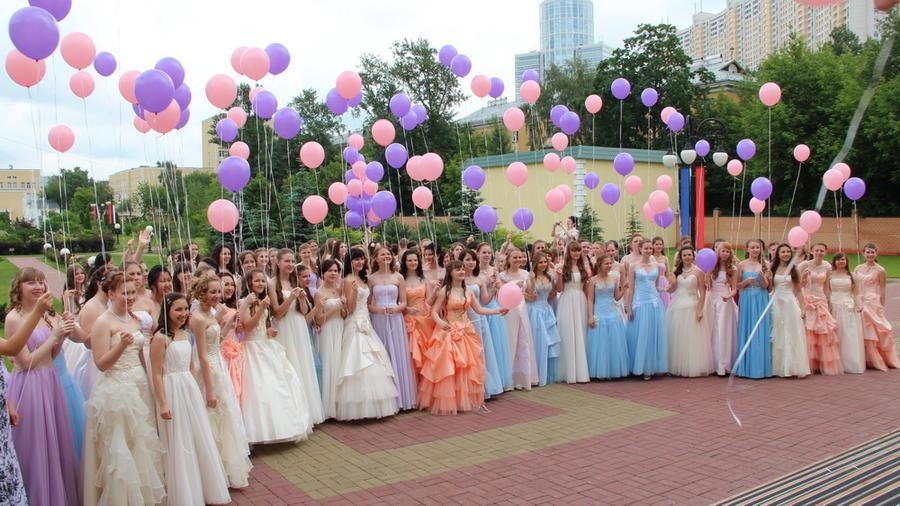 Прокуратура: чиновники заработали 65 млн рублей на воспитанницах Минобороны