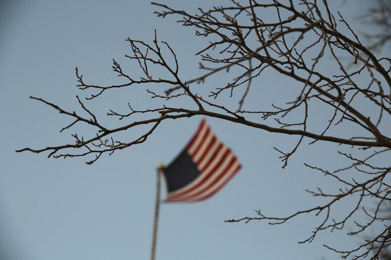 В США ученика отстранили от занятий за объятия с преподавателем