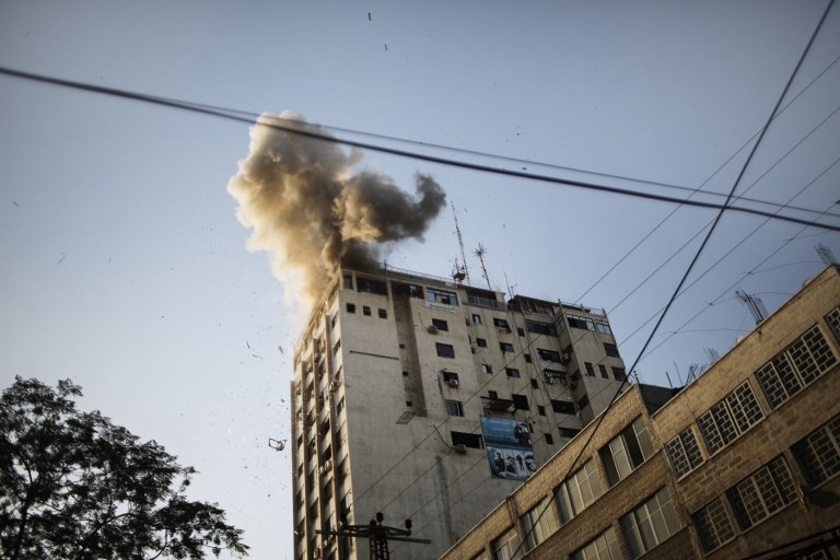 Израиль вновь обстрелял медиацентр в Газе
