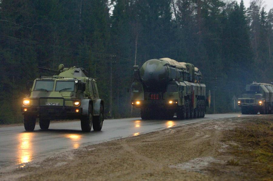 Президент России провёл внезапную проверку готовности нескольких родов войск