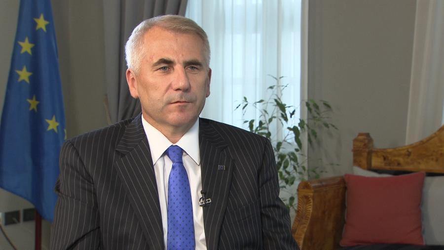 Глава представительства ЕС в России: Простым россиянам не будут ограничивать въезд в ЕС