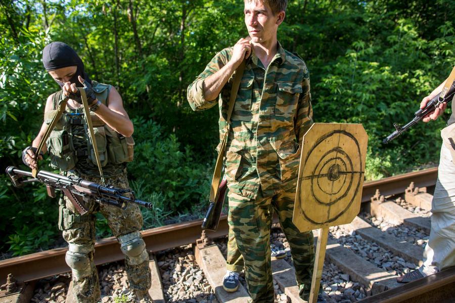Ополченцы Луганска и Донецка отвергают план Порошенко и не намерены складывать оружие