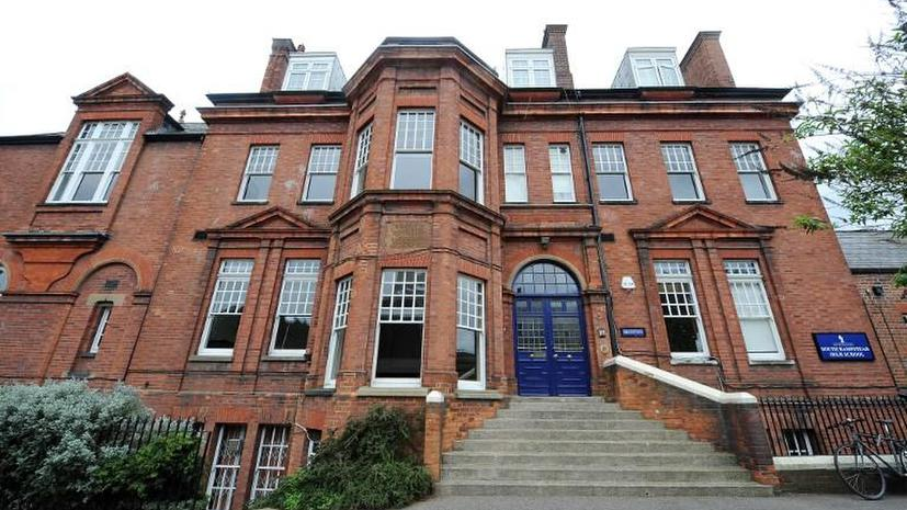В британских школах действует «антигейский закон»