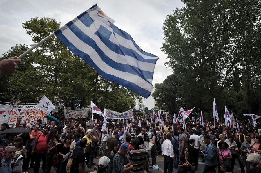 Еврогруппа выделит Греции очередной транш помощи