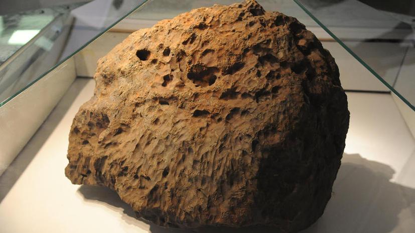 Учёные определили скорость, яркость и массу Чебаркульского метеорита