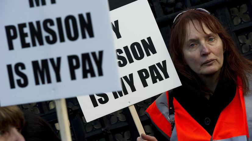 СМИ: более трети британцев рискуют остаться без денег на пенсии