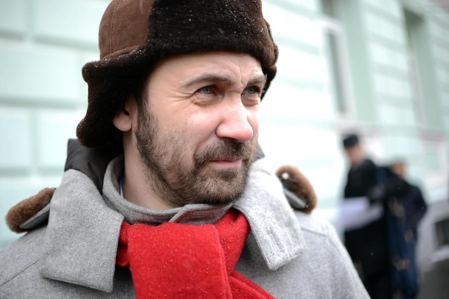 Депутаты выясняют, как их коллега Илья Пономарев заработал за год 7 млн рублей на чтении лекций
