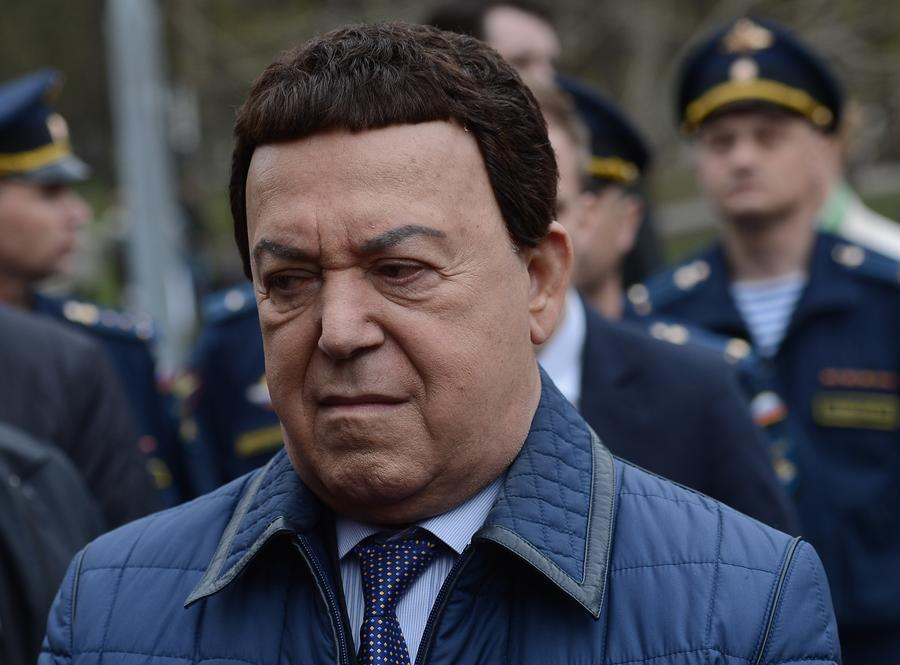Украинские СМИ: Иосифа Кобзона поменяют на героя Украины