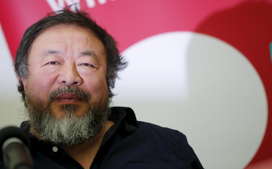Китайский художник Ай Вэйвэй открыл студию на острове Лесбос, чтобы рассказать о проблеме беженцев
