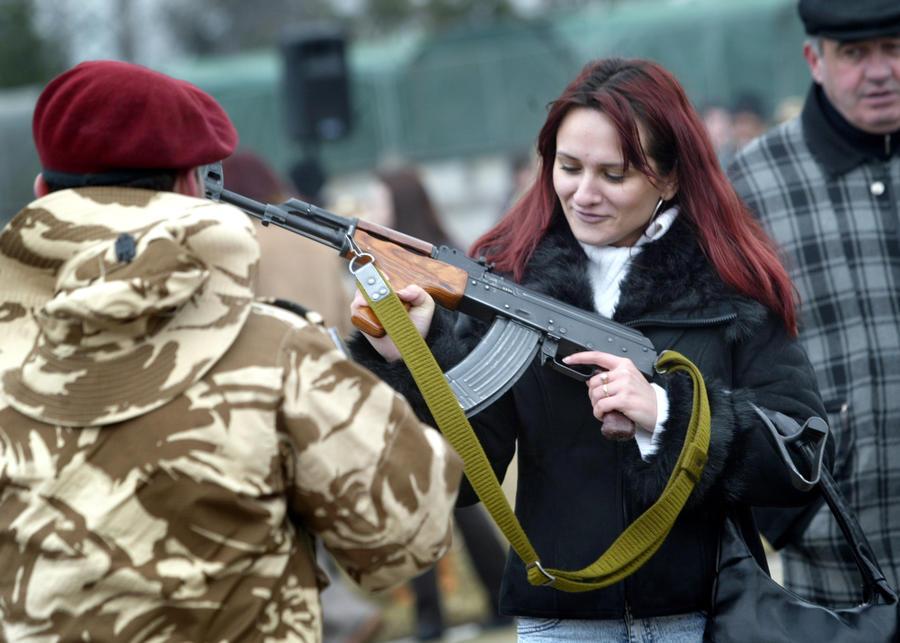 Женская армия Румынии признана самой сексуальной в мире