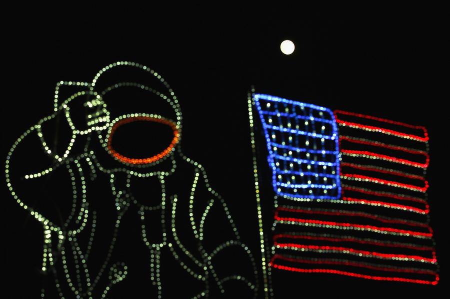 Немецкие СМИ: Американцы решили присвоить Луну