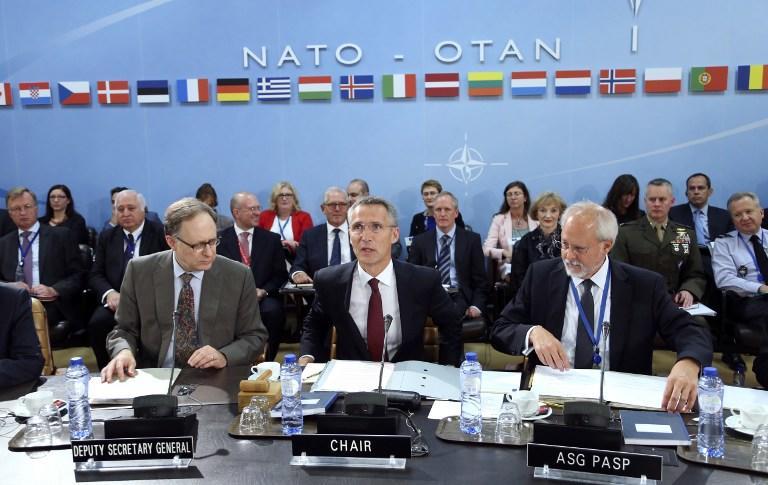 Постпред РФ при НАТО: Альянс замалчивает нарушение Киевом обязательств по Минским договорённостям