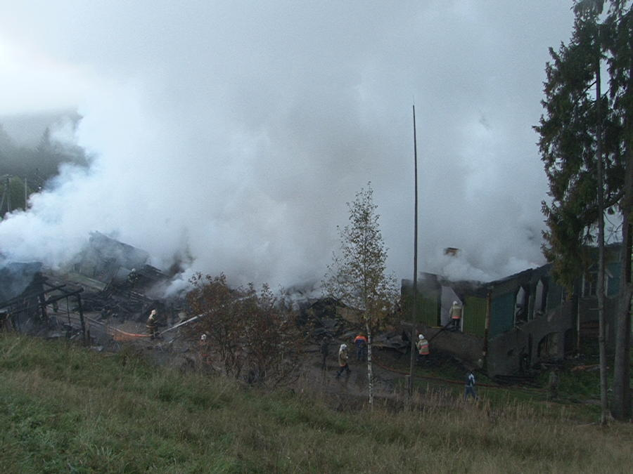 Число жертв пожара в психоневрологическом диспансере в Новгородской области возросло до 37