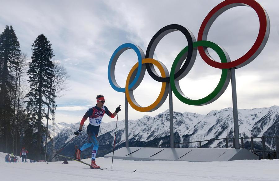 В олимпийской лыжной гонке на 15 км приняли участие спортсмены из Перу, Доминики и Бермуд