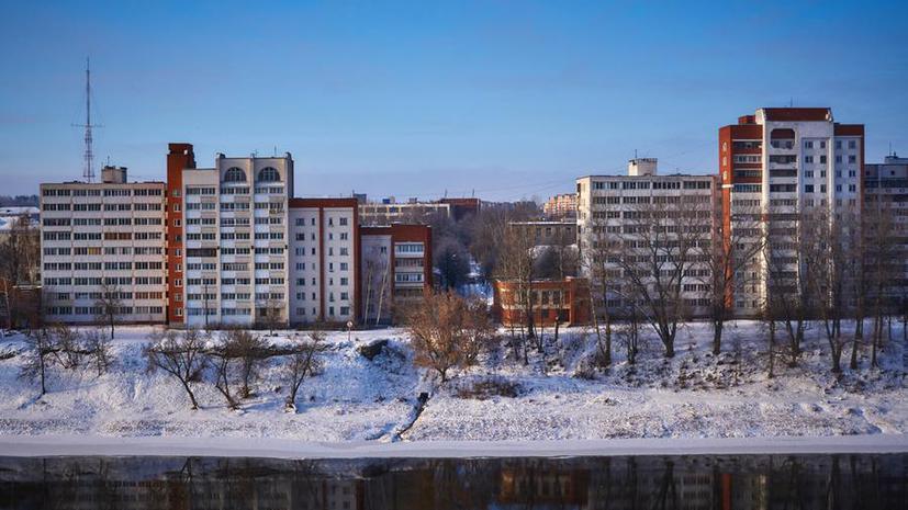 СМИ: В России создадут базу очередников, претендующих на льготное жильё