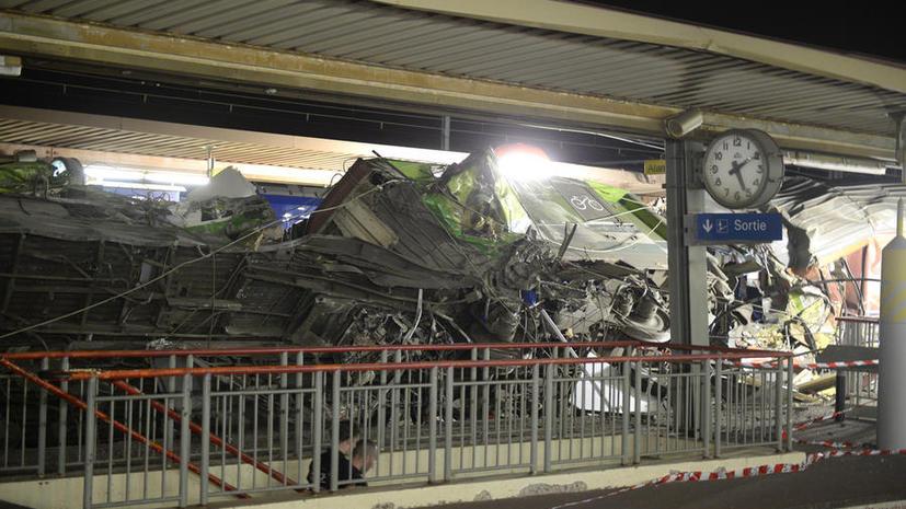 Министр транспорта Франции исключил человеческий фактор из причин крушения поезда недалеко от Парижа