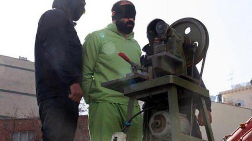 В Иране представили машину для отрубания пальцев