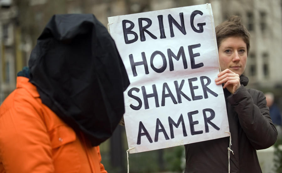 Заключённый Гуантанамо: С нами обращаются, как с животными