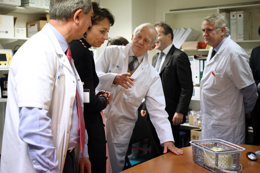 Во Франции провели первую в мире пересадку искусственного автономного сердца