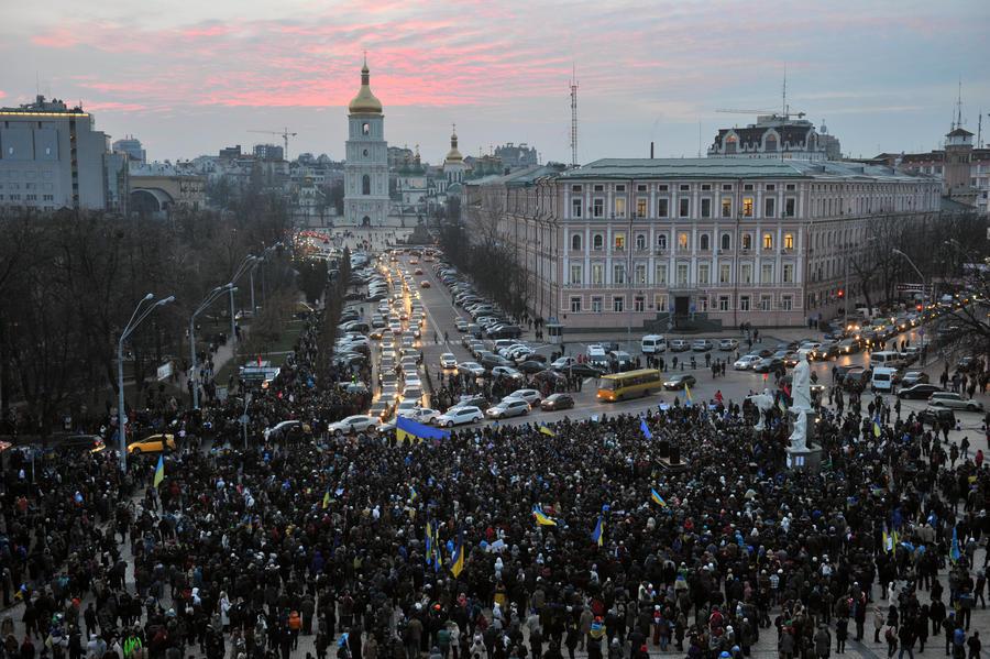 Эксперт: Происходящее на Украине напоминает возврат к «оранжевому сценарию» периода Ющенко