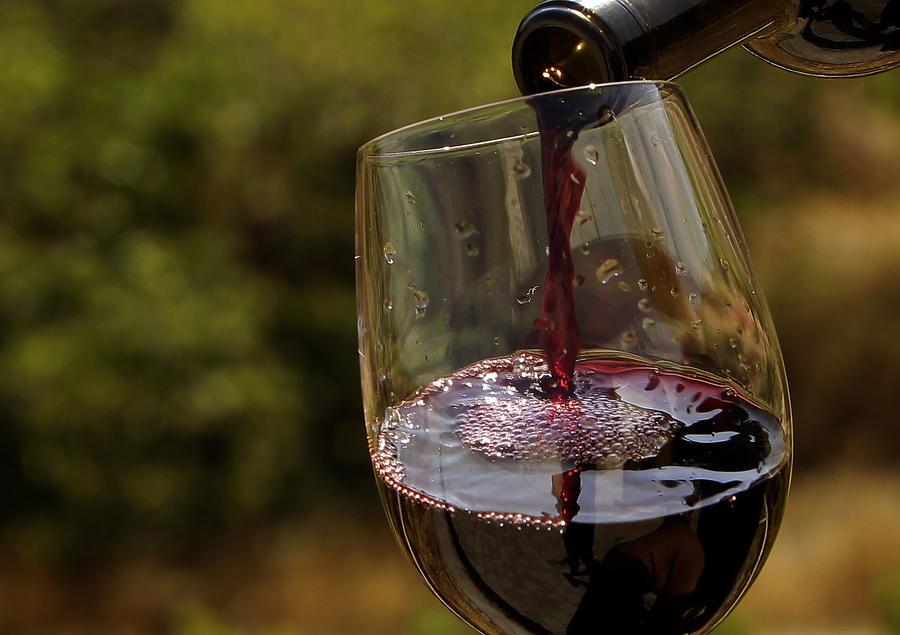 Американцы рассчитываются  по кредитам дорогим вином