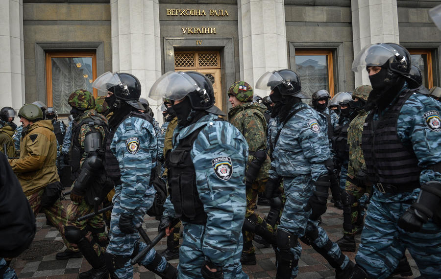 МВД Украины заявило о возможном штурме мэрии Киева