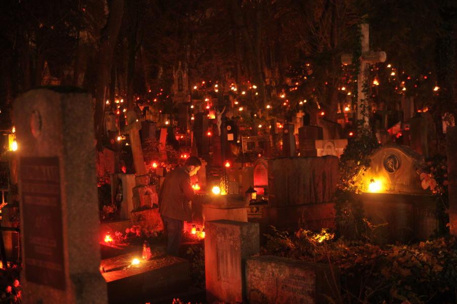 СМИ: В России могут появиться частные кладбища
