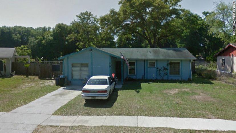 Американец пропал в «черной дыре» под собственным домом