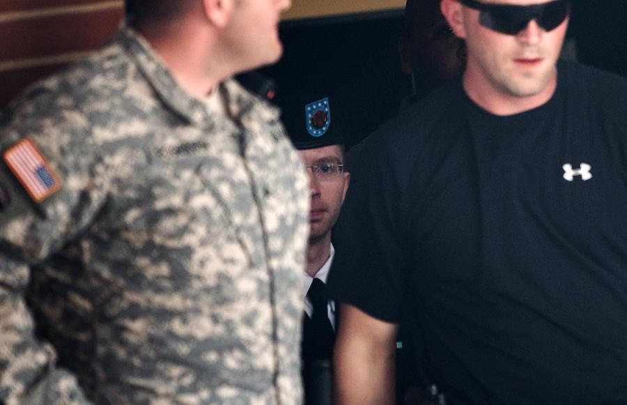Свидетели по делу Брэдли Мэннинга: Он эффективно работал в Ираке